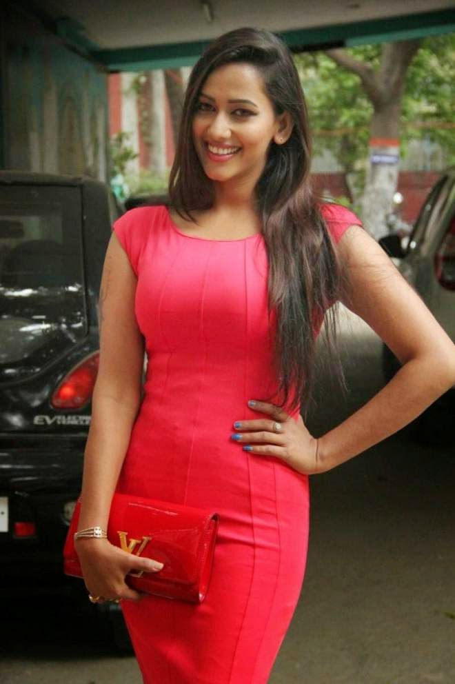 sanjana singh hot mini skirt photos