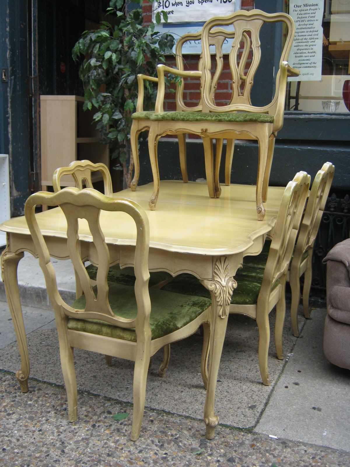 Uhuru Furniture Collectibles French Provincial Dining