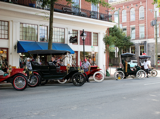 Antique cars in Fredericksburg, VA