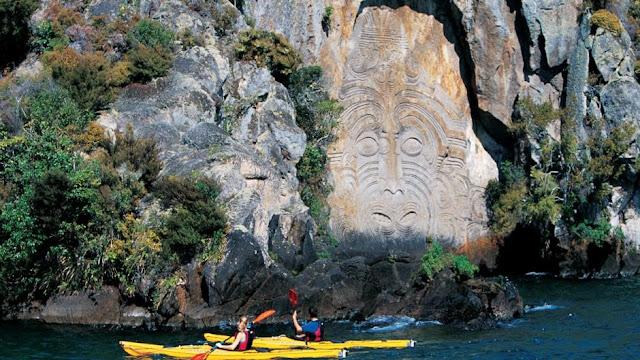 Mine Bay Lago Taupo en Nueva Zelanda