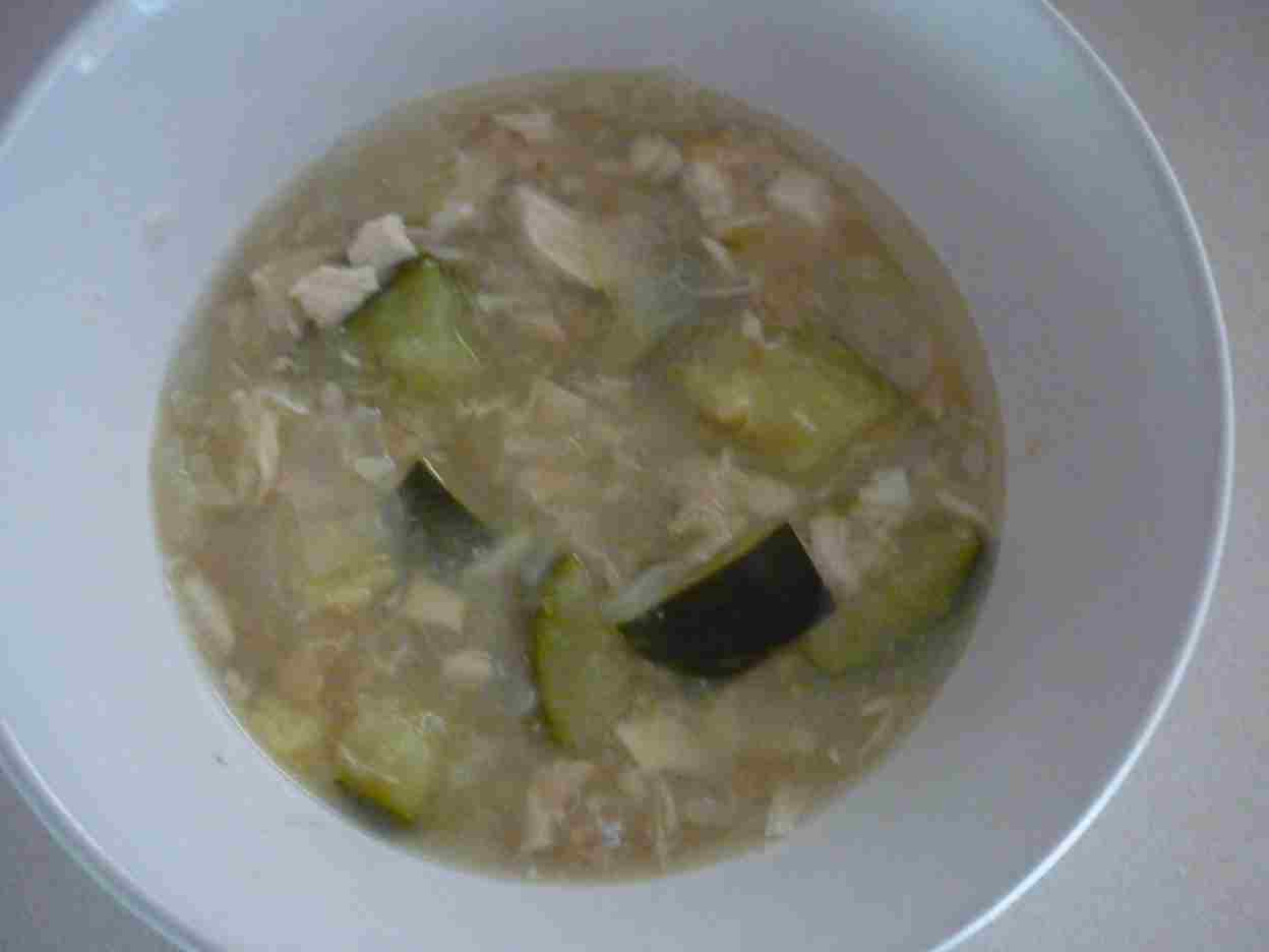 Simpleliving: Chicken, Zucchini, Ginger & Garlic Soup !