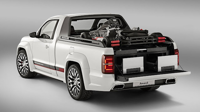 Volkswagen's V6 TDI Power-Pickup Amarok Concept rear 2