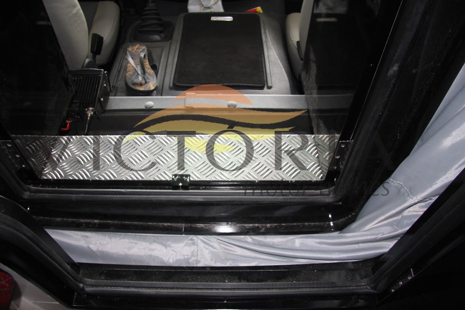 Imagens de #877C44 VICTÓRIA MOTOR HOMES : artniC um motorhome de peso da Victória Motor  1600x1068 px 3666 Banheiros Separados Casal