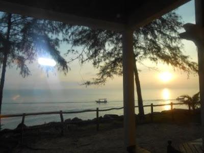 Sebelummenikmati sarapan pagi di restoran resort