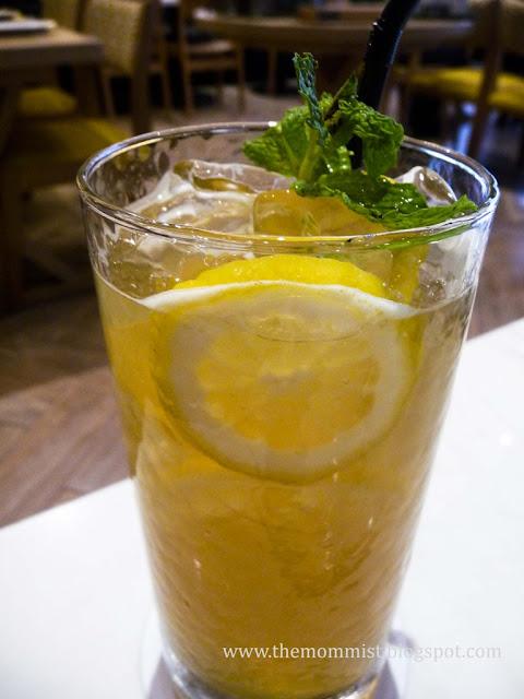 Lemon and ginger iced tea
