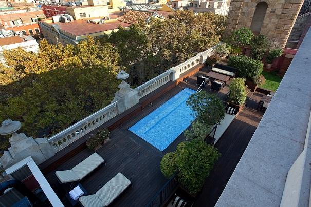 Los mejores top 10 los mejores hoteles con piscina en for Suite con piscina privada madrid