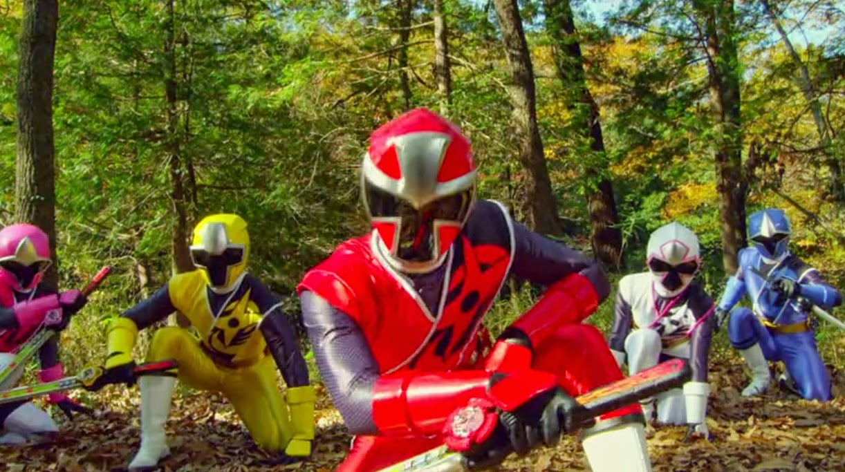Red and White Sentai: ToQger vs Kyoryuger Captured Images
