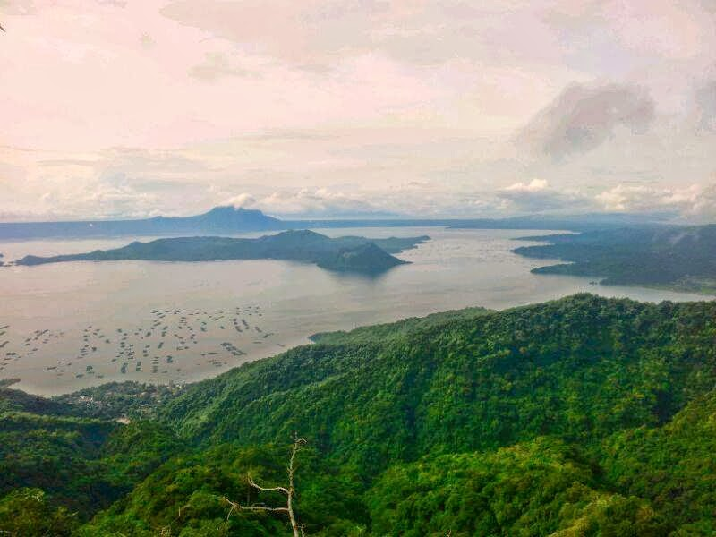 tagaytay tour [ takeoffphilippinescom] we planned to take a day-off from work and go for some day tour up the south of the metro, tagaytay city it is one of the well-known provinces in cavite where people go for some unwinding and appreciating the wonders of nature specifically the taal lake.