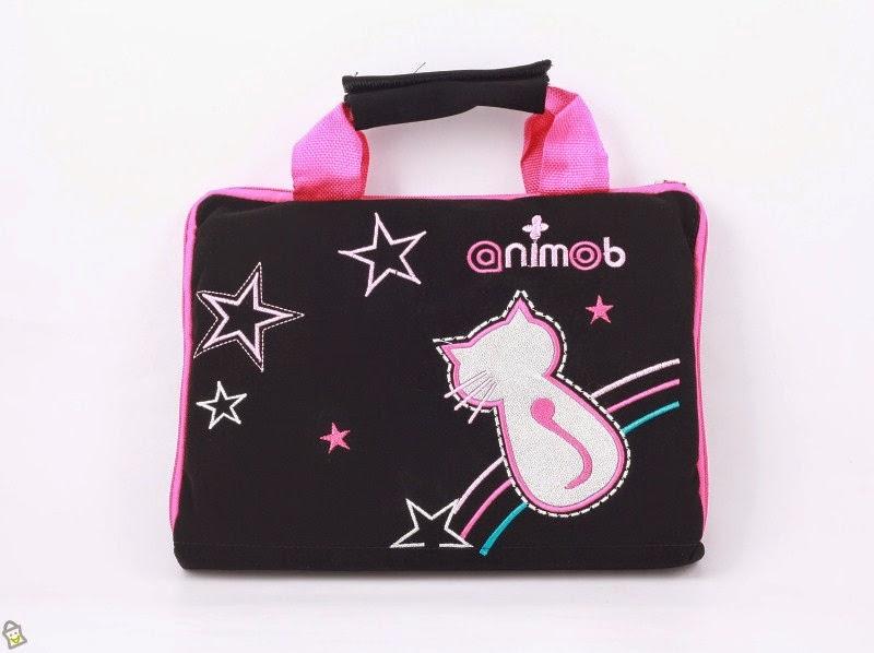 Gambar tas laptop hello kitty warna hitam unyu-unyu