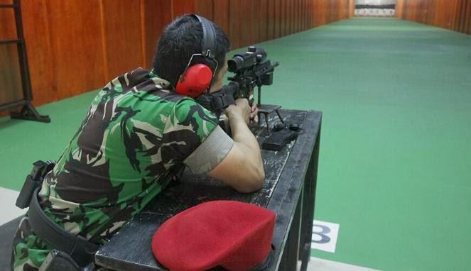 Latihan Tembak Pasukan Katak TNI AL