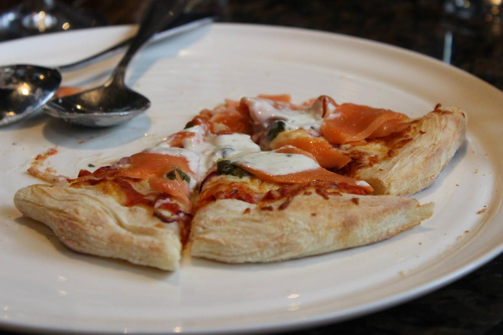 le FLAG bistro-pizz Flagrant Délice restaurant pizza saumon fumé