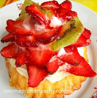 Delicioush home made strawberry shortcake with cream