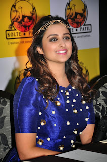 Parineeti Chopra looks like a Funny Queen at KPDL Mobile App Launch Mumbai