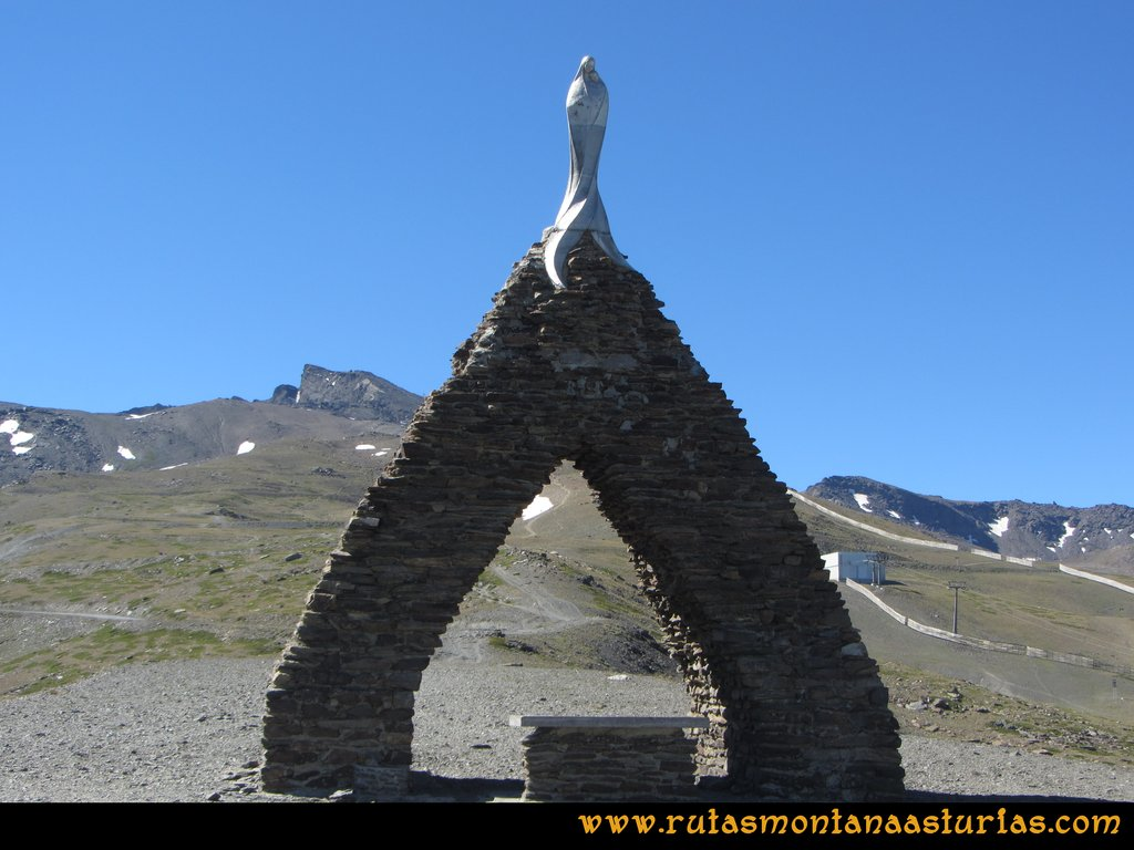Ruta Hoya de la Mora - Veleta: Virgen de la Nieve