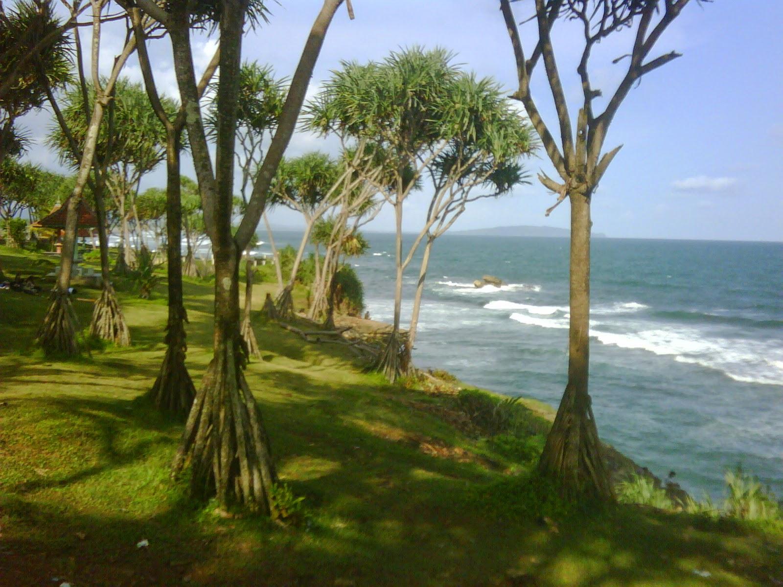 Pantai Batu Hiu Pangandaran
