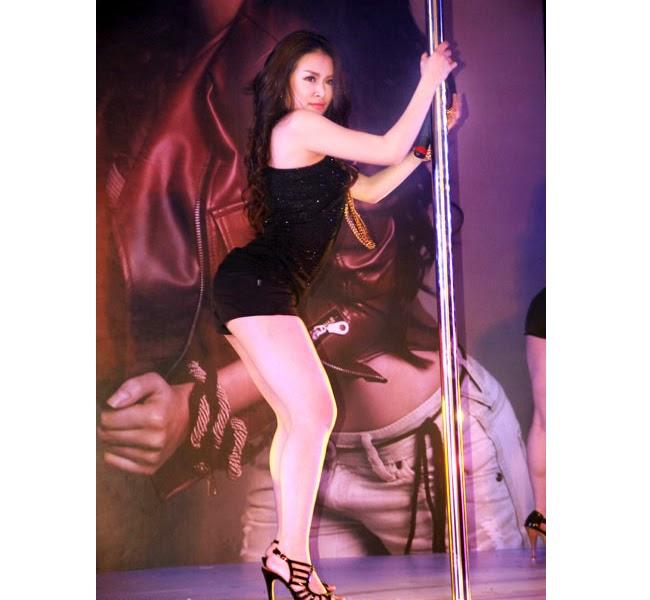 Vì sao mỹ nhân Việt mê múa cột? raw