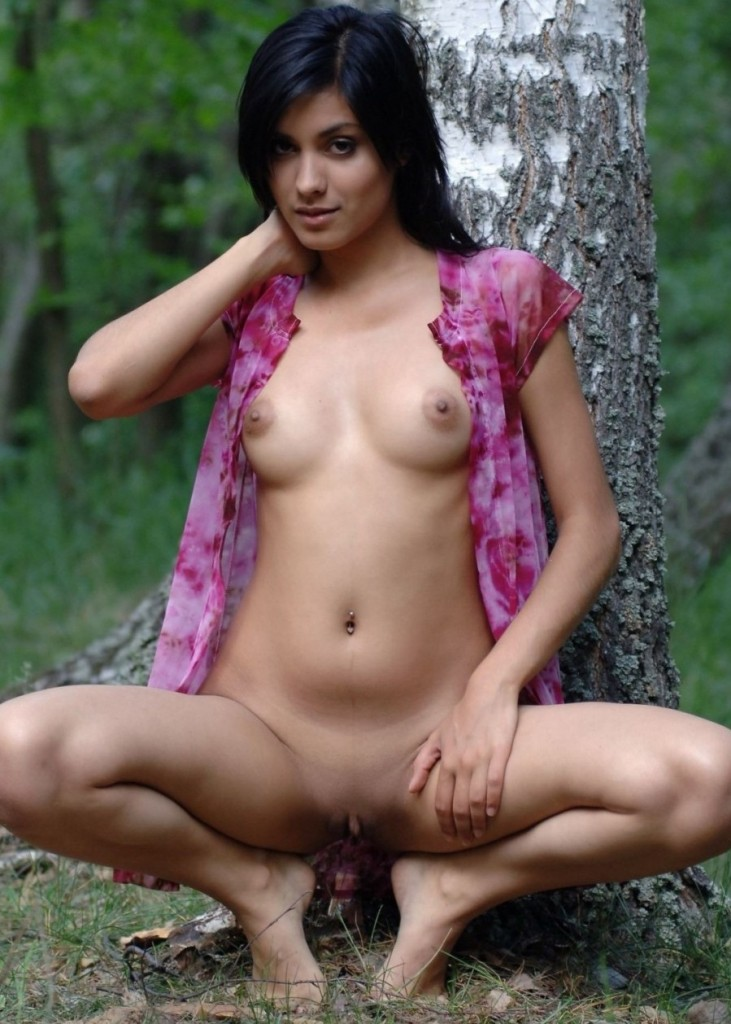 nude skinny girl asshole with shit