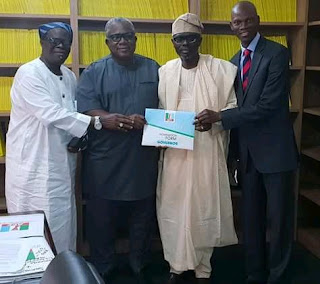APC: Tinubu's 'candidate' against Ambode submits nomination forms [PHOTO]