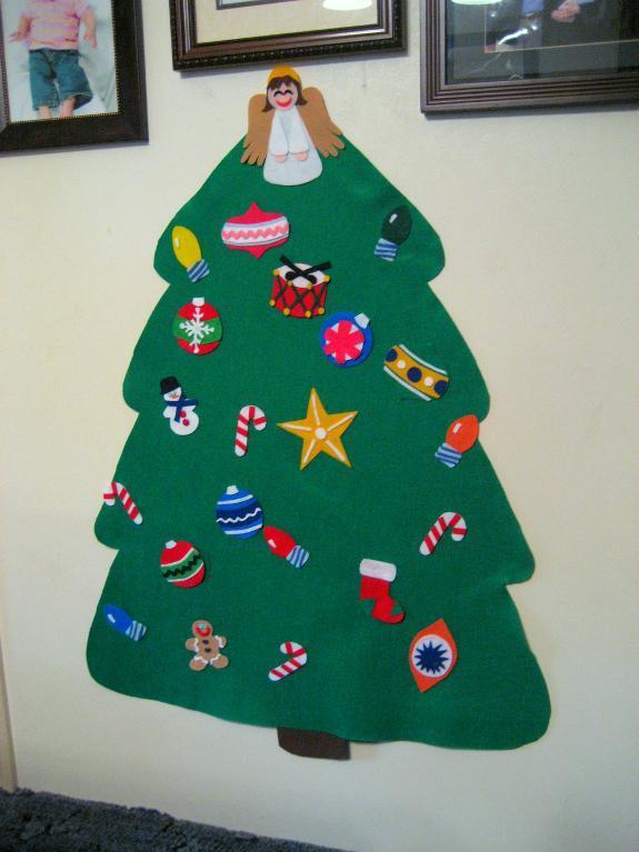 ayrshire mummy christmas organisation week 6 crafty toddler christmas tree. Black Bedroom Furniture Sets. Home Design Ideas