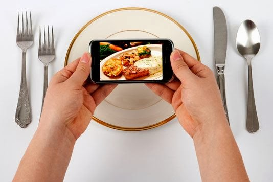 Social Media Ruining Your Appetite