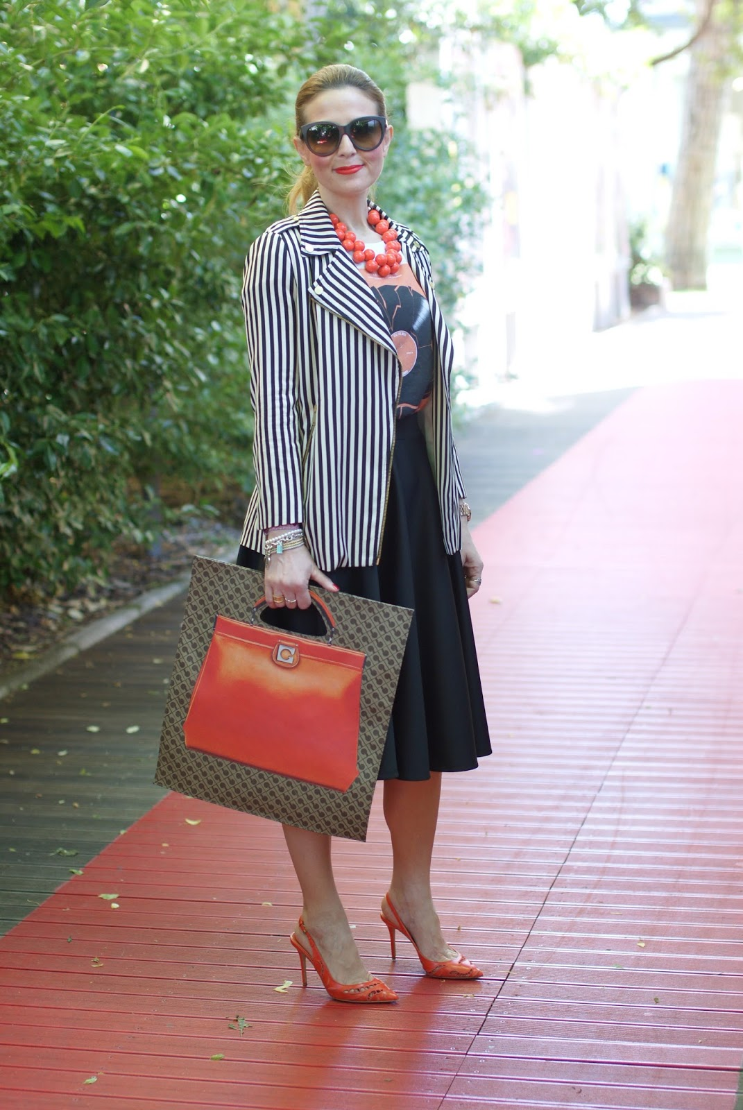 Gherardini Piattina Anniversary bag, Le Silla shoes, orange flat bag, Zara striped jacket, Fashion and Cookies fashion blogger