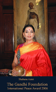 Shabana Azmi with international peace prize from Gandhi foundation
