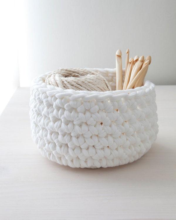 porta objetos de crochet blanco