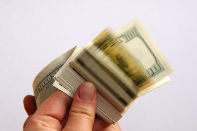 A renda dos 100 mais ricos poderia acabar com a pobreza no mundo