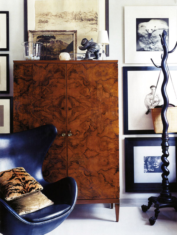 decorar con muebles antiguos-armario vintage-antique wardrobe