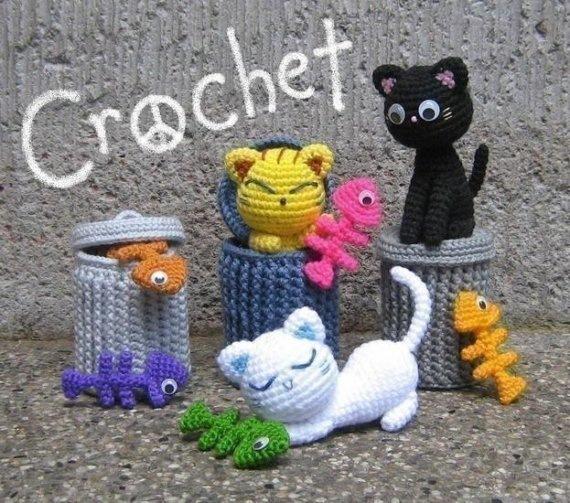 Кошки и мусорные баки