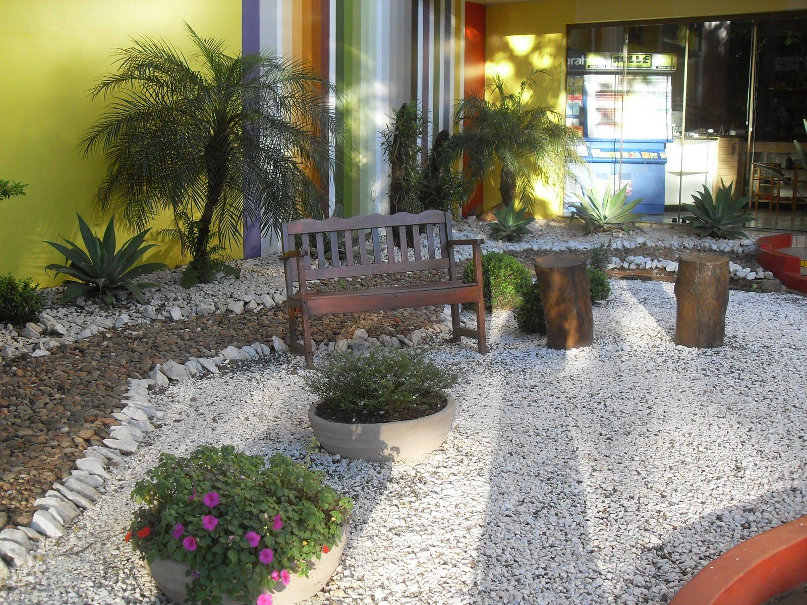 Pin Decoracao Jardins Pedras Jardim Pequeno Externo Com Portal Pelauts