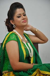 Anchor Shilpa Chakravarthy Latest Pictures at Taruvatha Katha Movie Trailer Launch  51.JPG