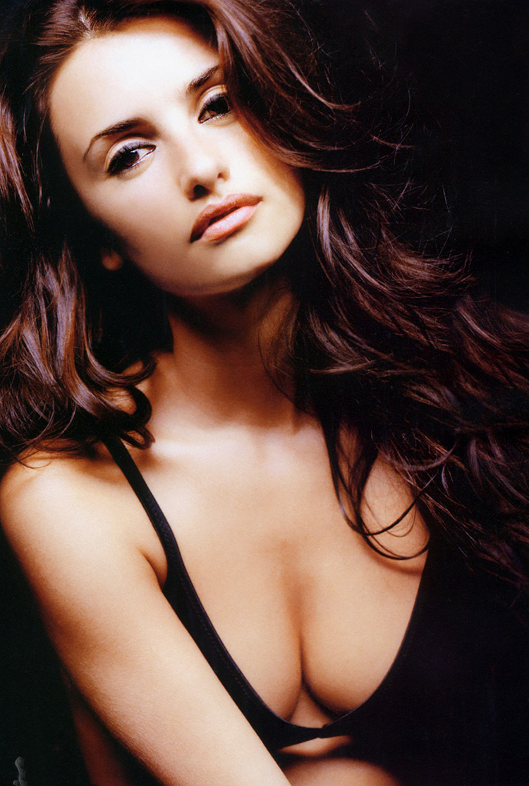 Fashionable Celebrity Hairstyle Penelope Cruz 15