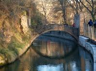 Diversos ponts creuen el canal de l'Ametlla de Merola