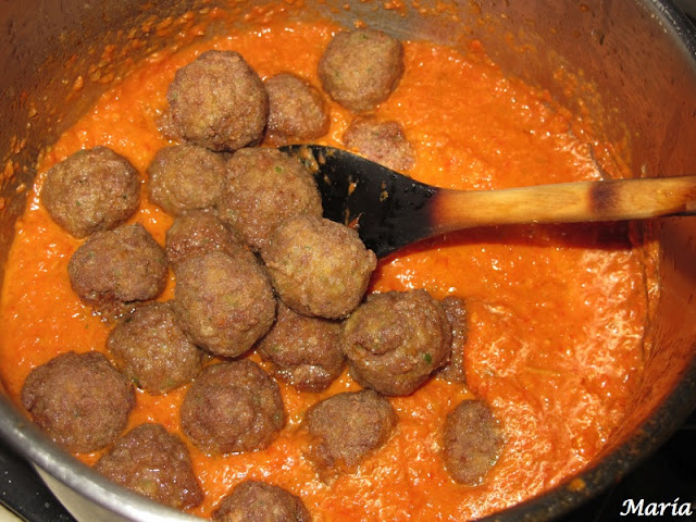 Albóndigas de ternera con tomate casero