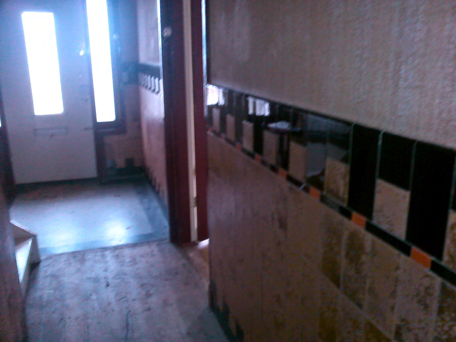 Behangen op tegels. gallery of kapotte vloertegel vervangen with