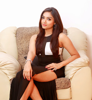Aishwarya Devan Spicy 4UHQ Pics