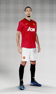 http://3.bp.blogspot.com/-TpTceI_LPos/T7LEx3av3HI/AAAAAAAAEi8/uQw0c9Fglzg/s1600/Manchester+United+2013+Jersey+Home+Kit+3.jpg