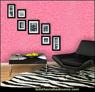Decorating theme bedrooms - Maries Manor: wild animal print bedroom ...