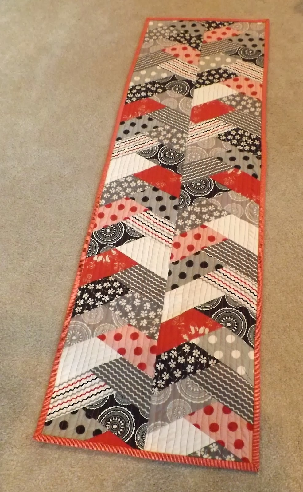 Braid Quilt Pattern Table Runner : Pin by Elaine Ferron on Quilting Pinterest