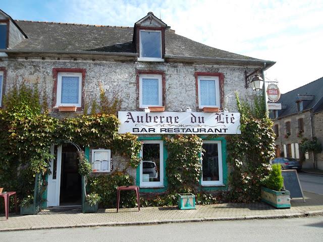 Auberge du Lie, bar restaurant in La Cheze, Brittany, France