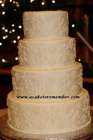 Here 39s the first wedding cake featuring snowflakes that I 39ve made this  year. Carece s blog  Here 39s the first wedding cake featuring