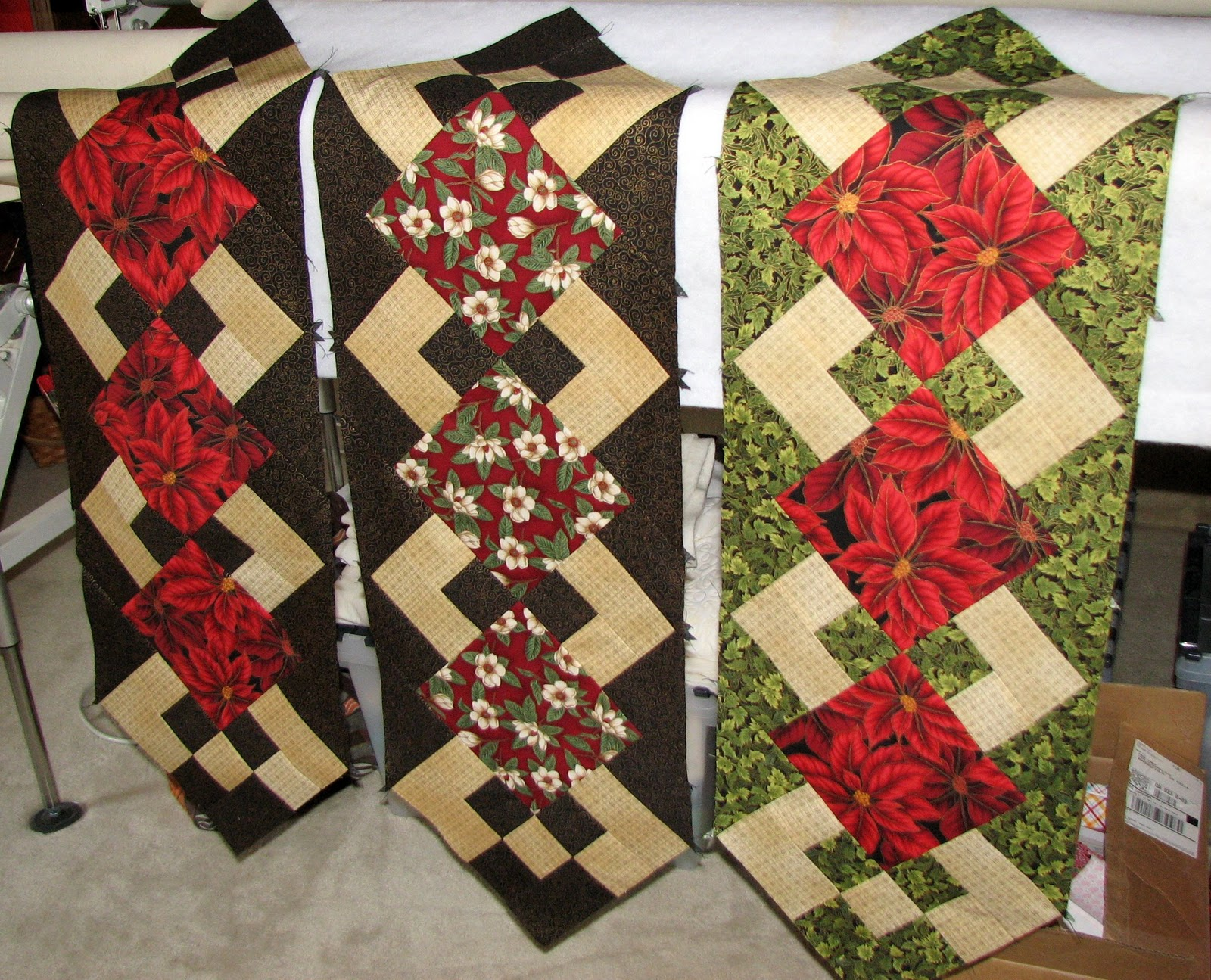 pillow forms pillow inserts quilted christmas. Black Bedroom Furniture Sets. Home Design Ideas