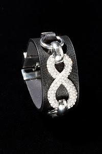 Jag är med och tävlar i Cecces blogg om fint armband