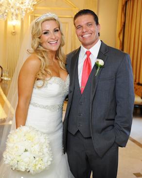 wwe diva natalya en plena boda con su esposo Tyson Kidd, dos super estrellas se casan