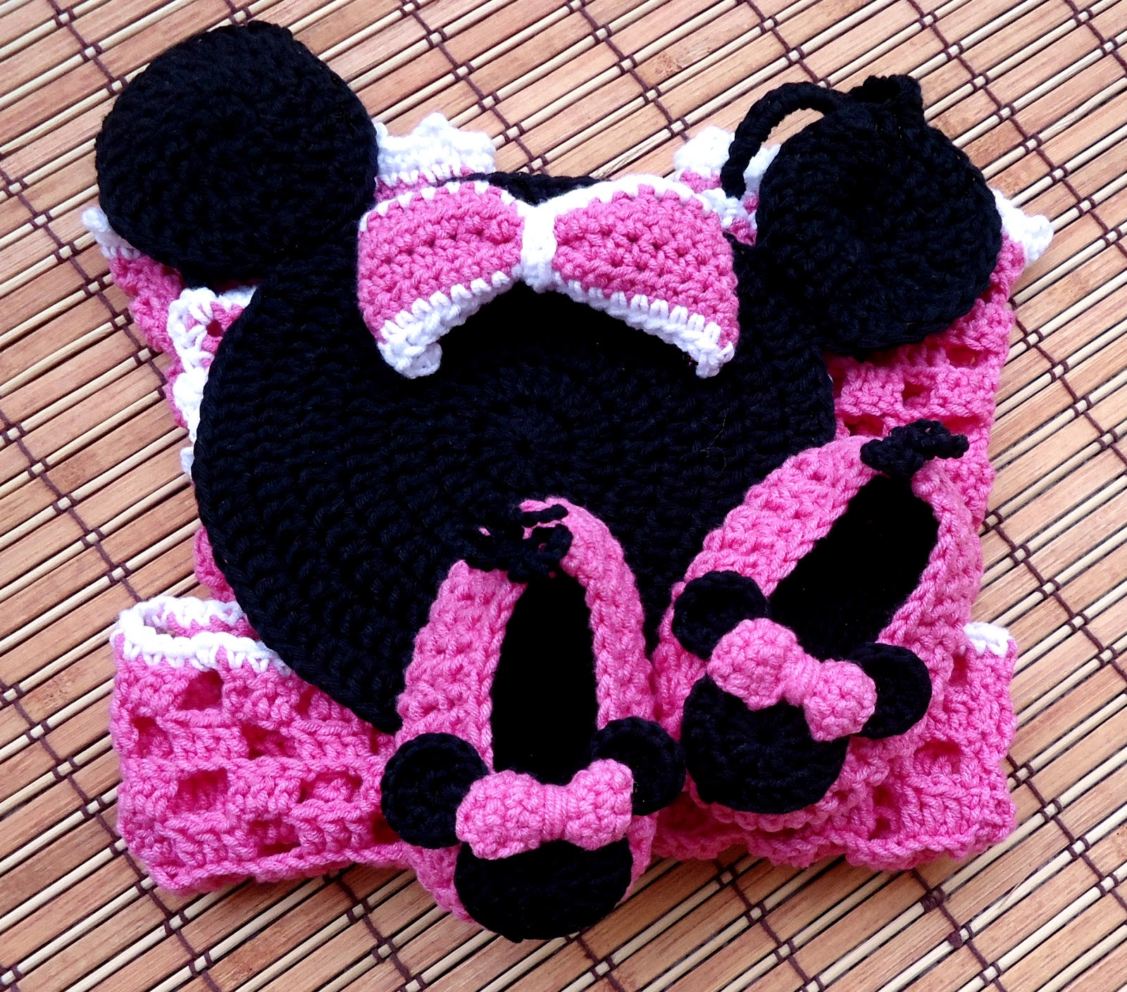 Crochet Patterns For Minnie Mouse : Beauty Crochet Pattern: Miss Bow Mouse Romper and Shoes ...
