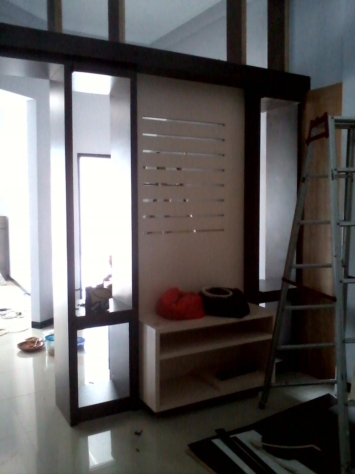 Progres Pekerjaan Interior sekat ruang tamu dan ruang keluarga
