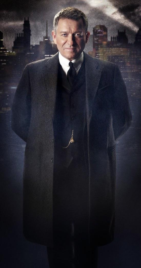 Sean Pertwee caracterizado como Alfred Pennyworth en Gotham