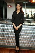 Pranitha latest dazzling photos-thumbnail-11
