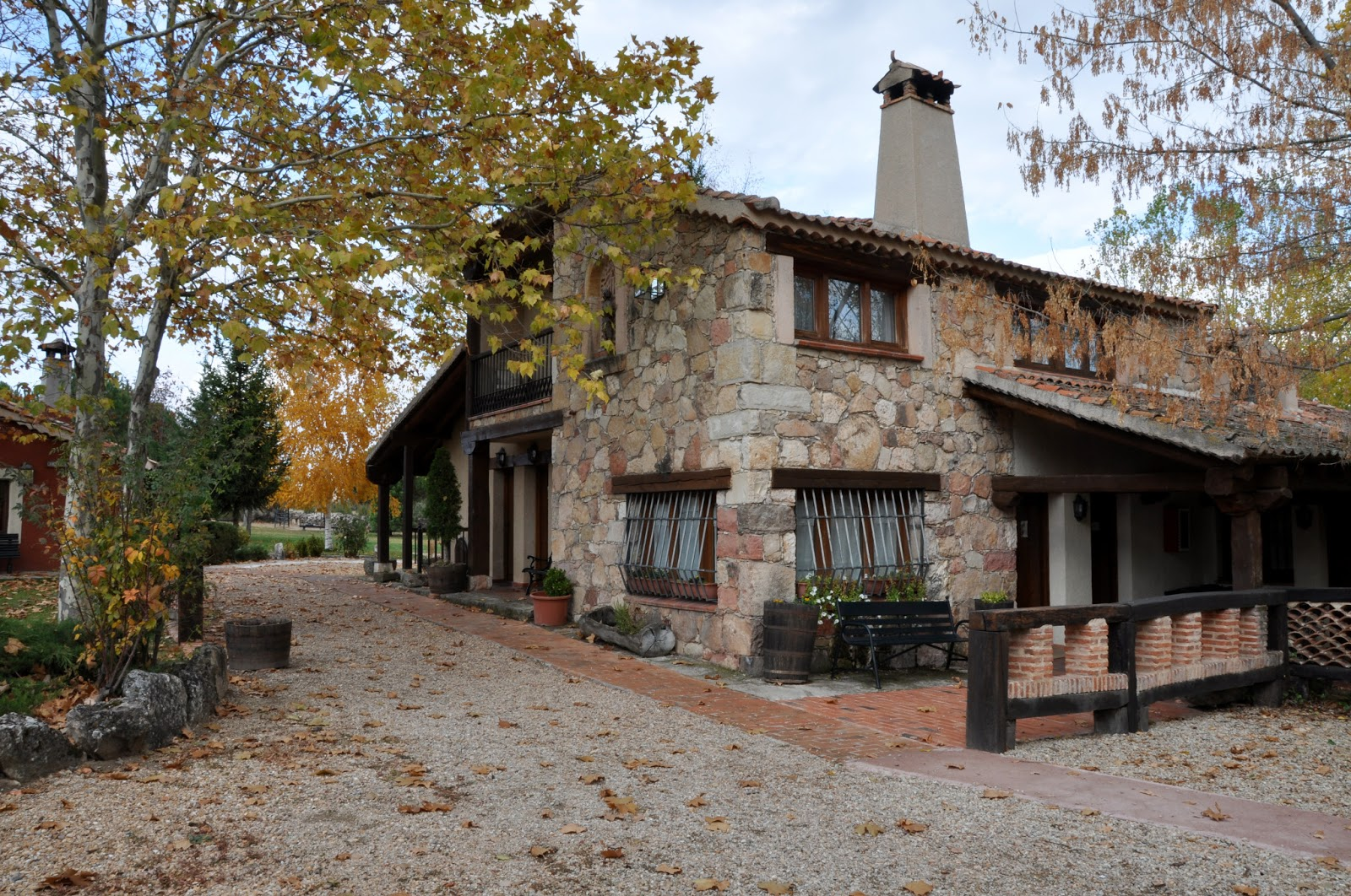 Estancias rurales charming hotels habitaci nes con for Hoteles con chimenea en la habitacion